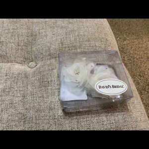 Bridal Flower Clips New In Box